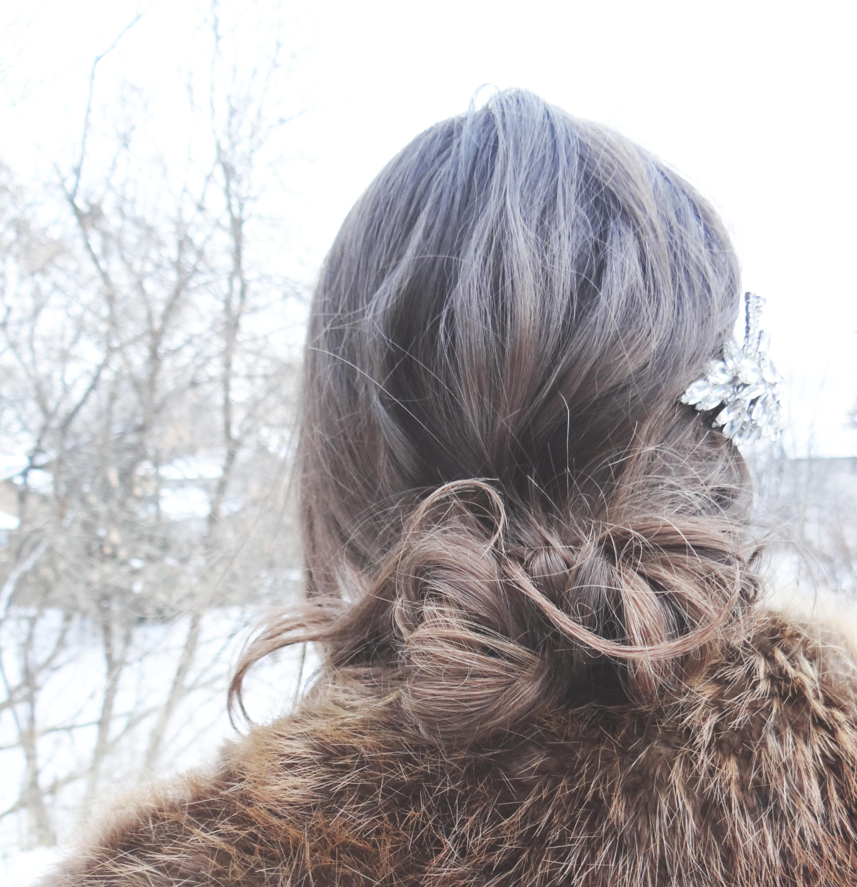 hair inspiration, Hair, Hairstyles, Evening hair dos, beauty, accessorize, Vintage, Hollywood Glamour, Winter Fashion, life and style, fashion blog, fashion, style, outfit, fashion blogger, style blogger, fashion styles, Victoria Simpson, A Side of Vogue