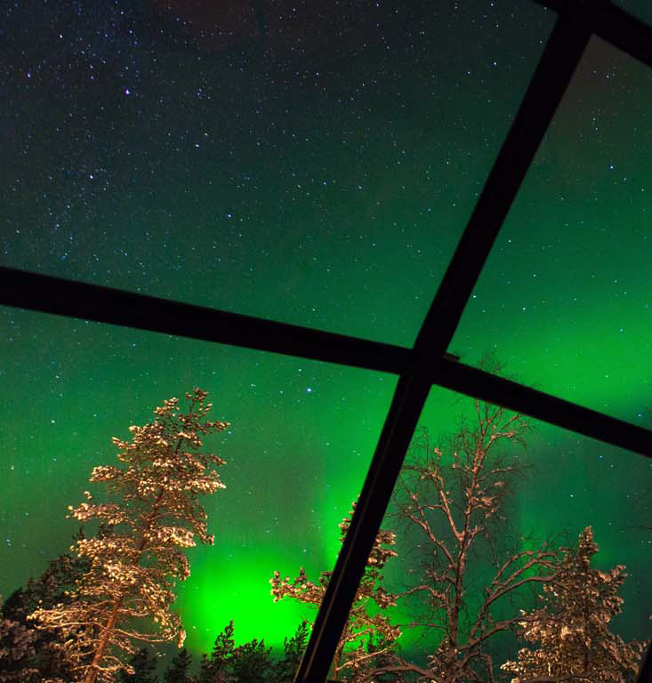Travel // Stay In Glass Igloos, At Kakslauttanen Arctic