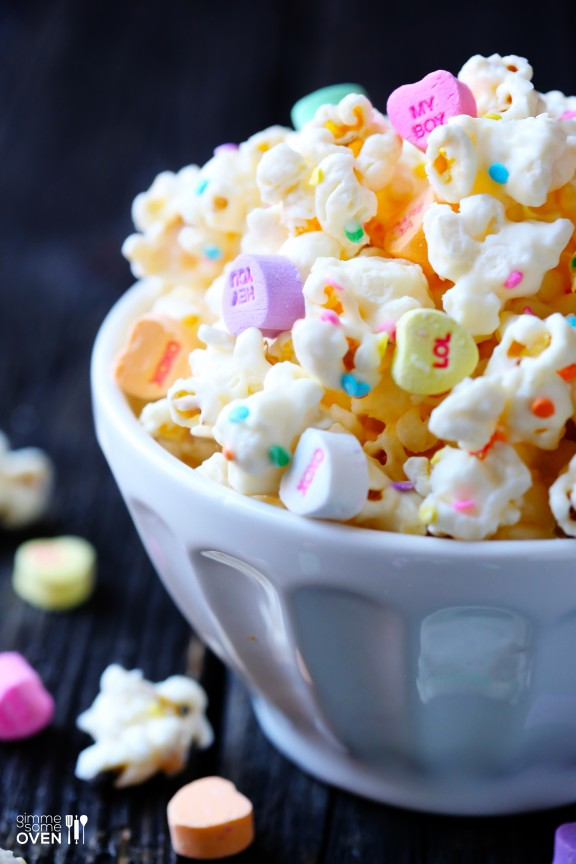 Lifestyle Blogger, Toronto Blog, Canadian Blogger, Popcorn, Recipes, Valentine's Day Ideas,Mini Hearts, Valentine's Day, white chocolate popcorn,
