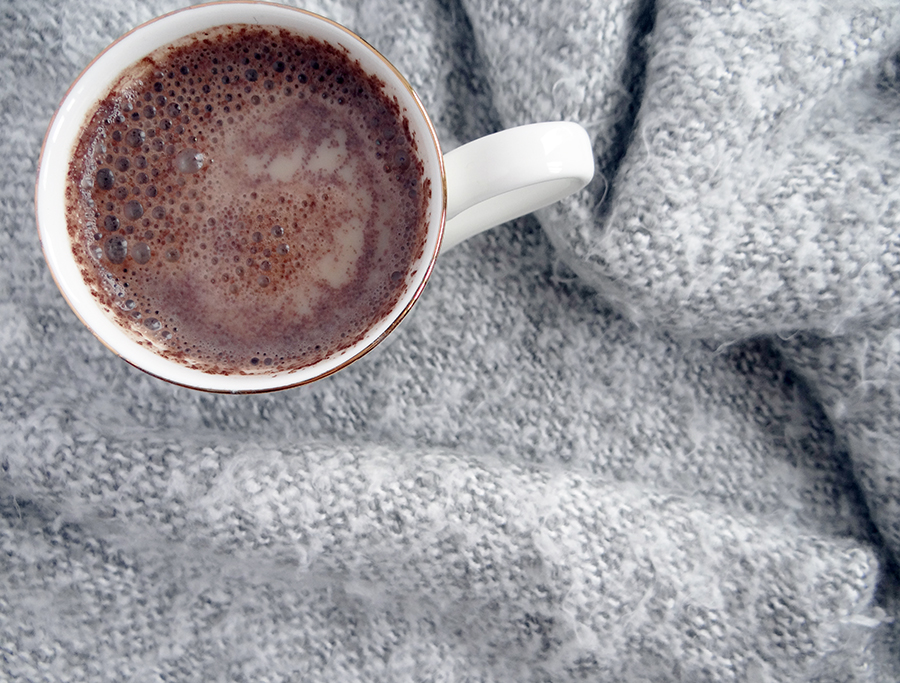 Hot-Toddy-With-Chocolate-Drink-Recipe-Blogger
