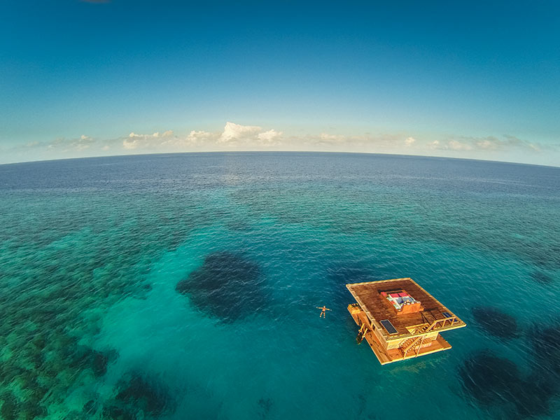 Travel-Underwater-Hotel-Room-In-The-Middle-Of-The-Ocean