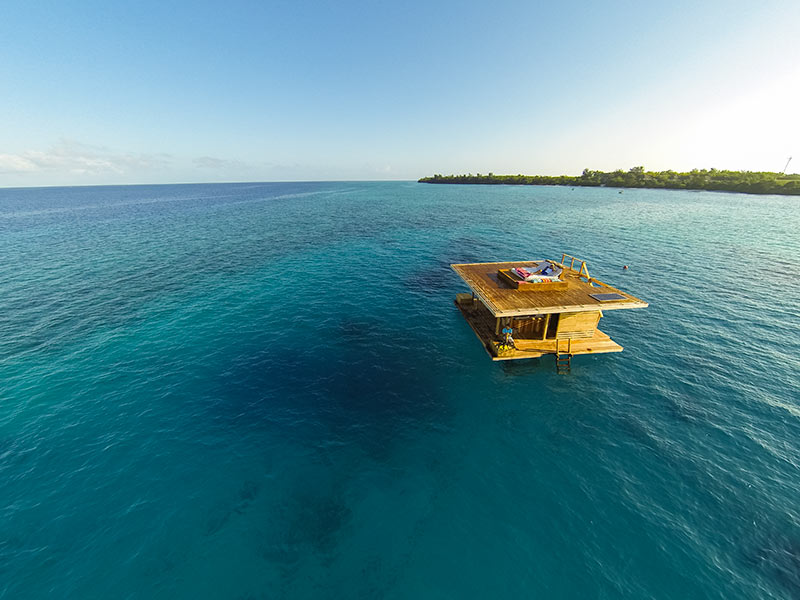 Underwater-Hotel-Room-The-Manta-Resort-Travel-Inspiration