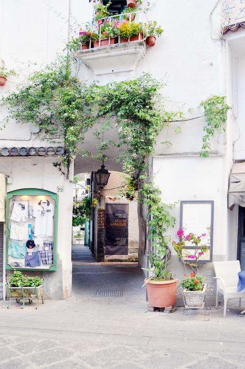 travel_amalfi_coast_maiori_minori_italy