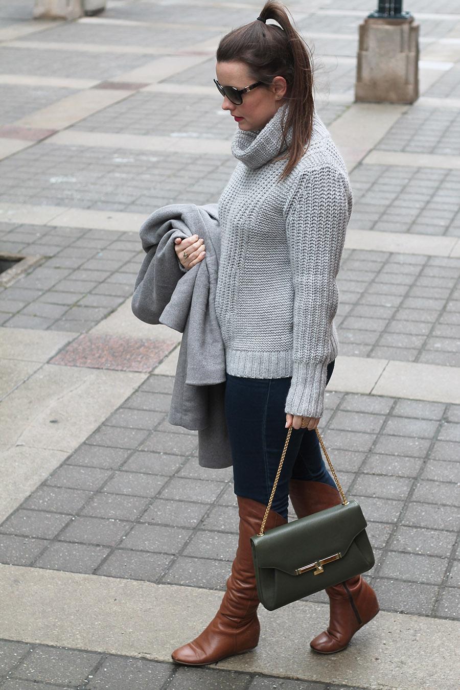 Toronto Fashion Blogger, Grey Tur