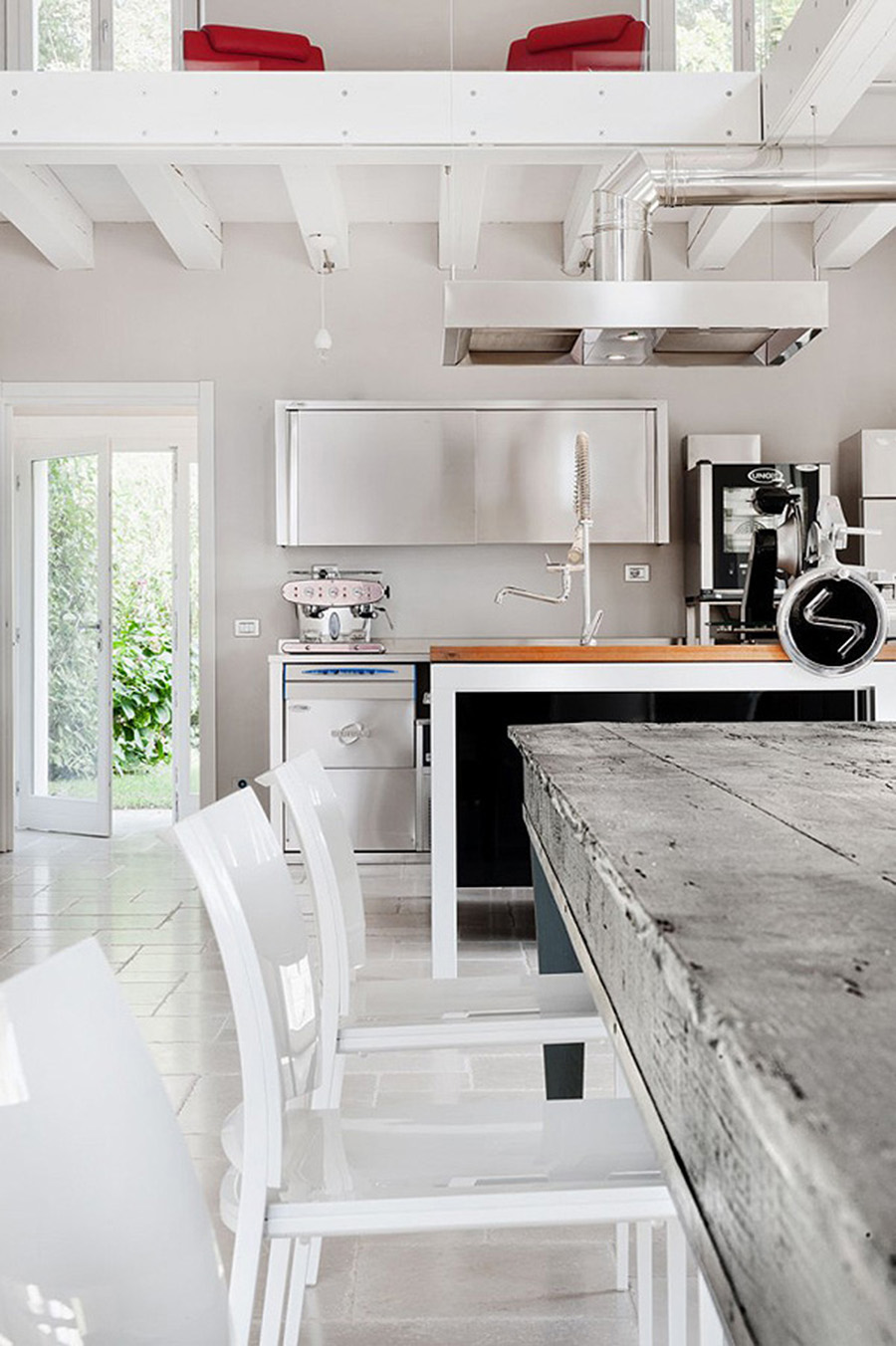 Home Inspiration // Italian Villa With An Industrial Design Feel | A ...