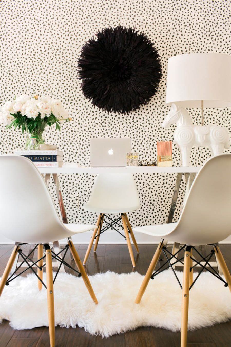 Office Space Ideas and Inspiration / Spotted Walls