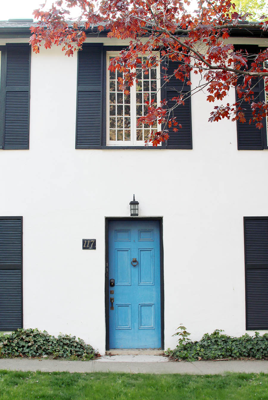 House-With-Bloor-Door-Niagara-On-The-Lake-