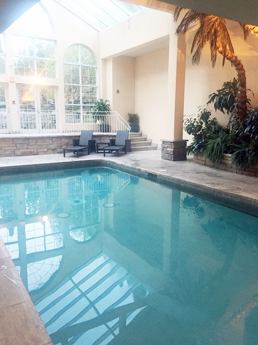 Travel-Hotels-with-swimming-pool-niagara-on-the-lake