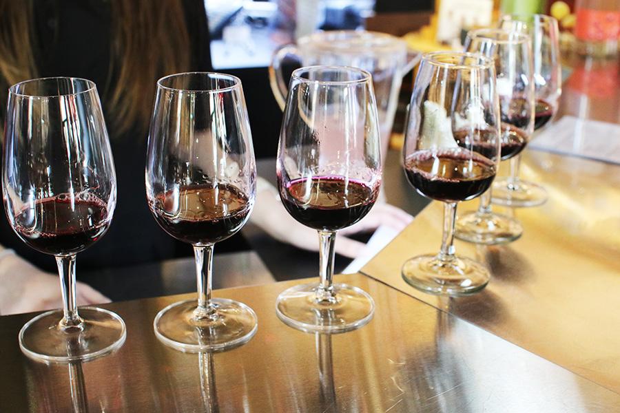 Wine-Tasting-Niagara-On-The-Lake-Ontario-Travel