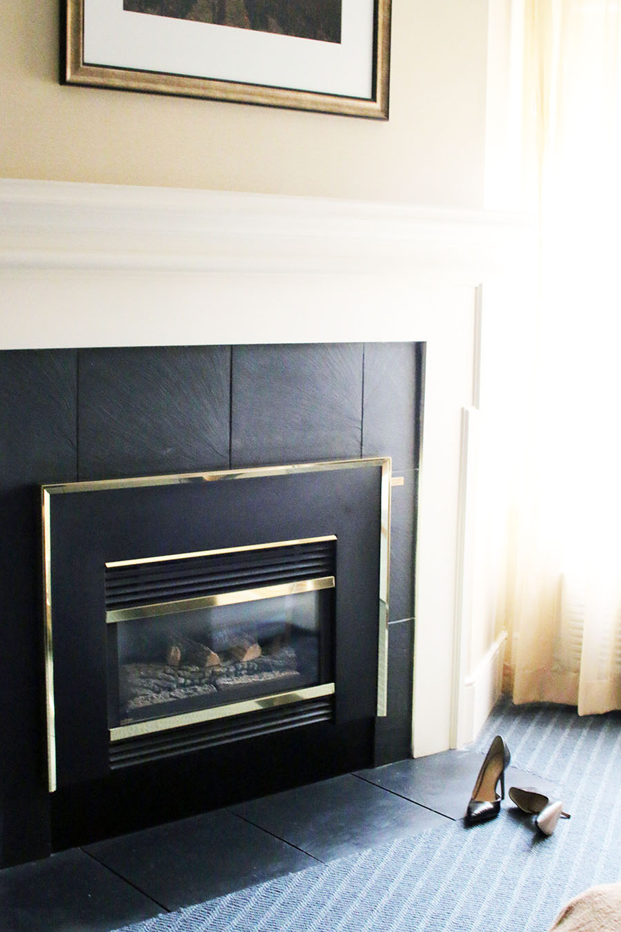niagara-on-the-lake-hotel-room-with-fireplace
