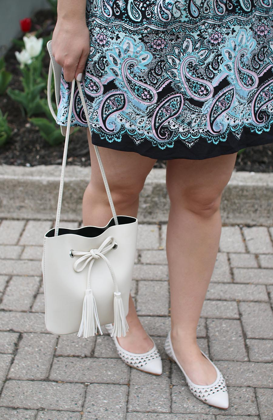summer-white-cream-bucket-bag-pointy-flats