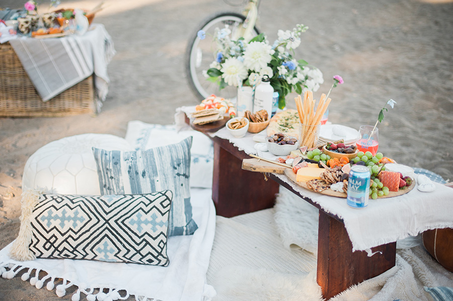 beach-party-picnic-ideas-by-lifestyle-bloggers