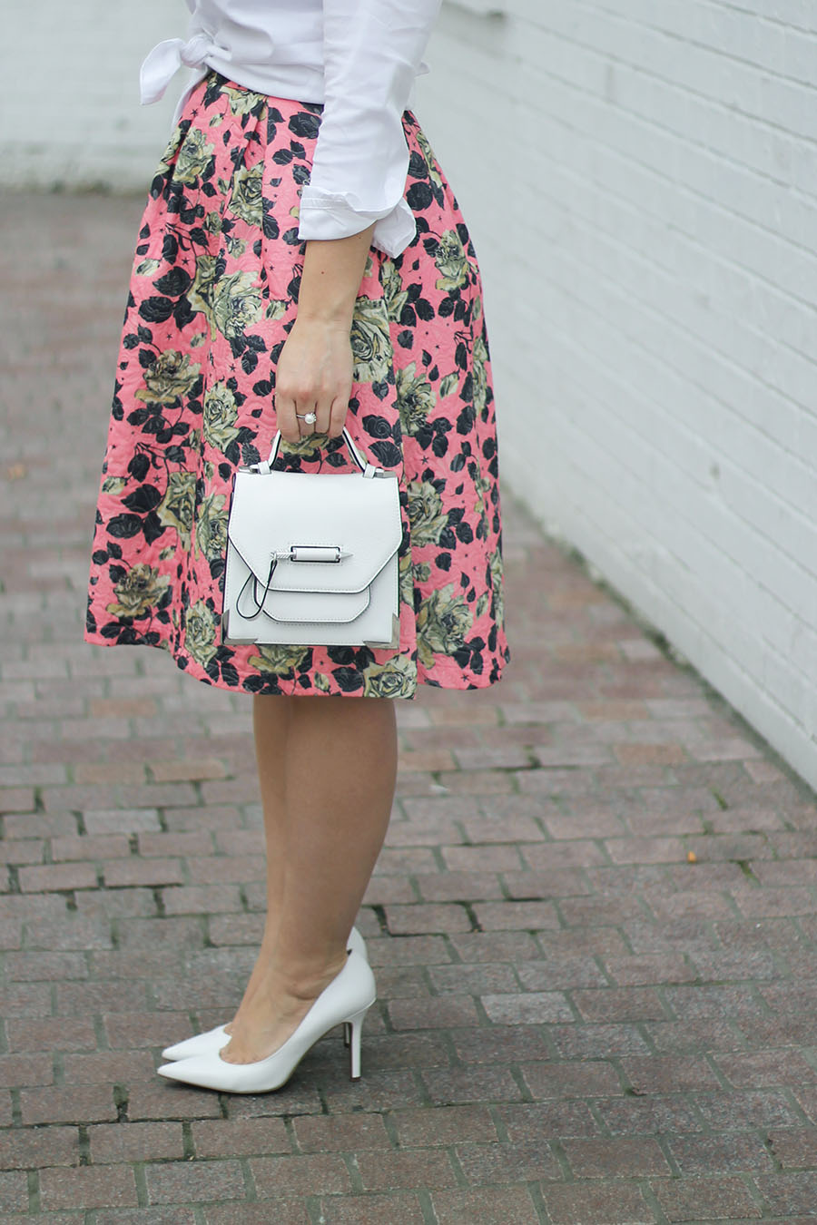 How-To-Wear-A-Midi-Skirt-