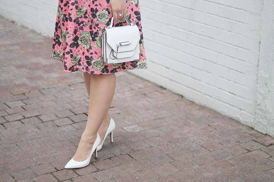 accessorize-white-pointed-toe-pumps-and-handbag-
