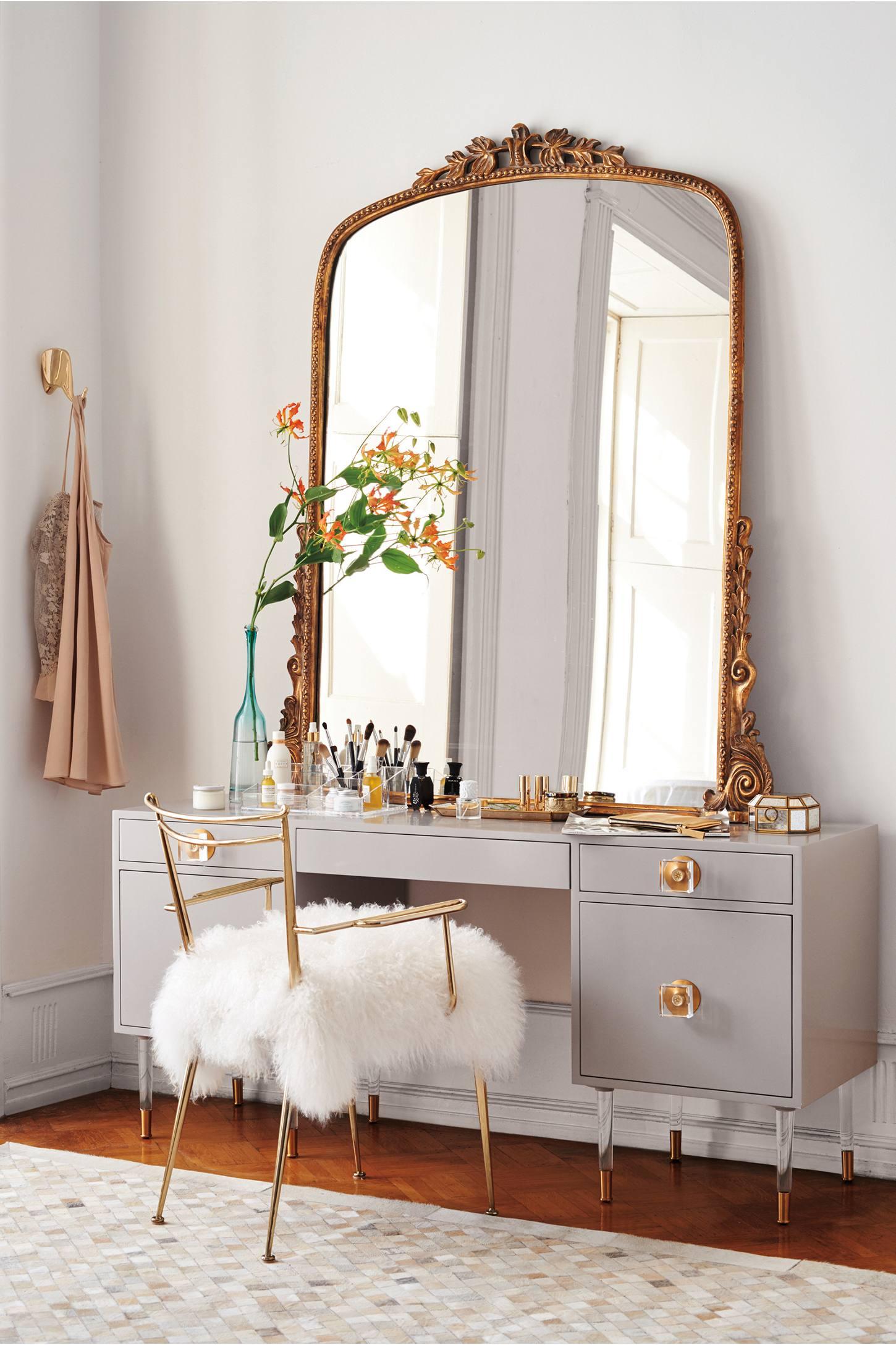 Feminine Furniture Home Decor