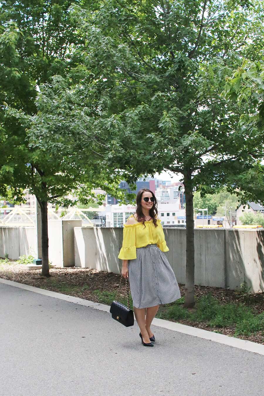 feminine-outfit-ideas-for-the-office-fashion-blogger-a-side-of-vogue