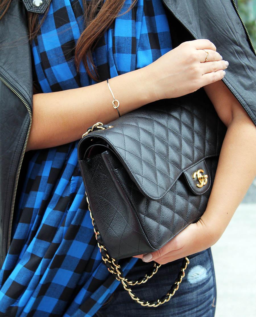 knot-bracelet-chanel-classic-jumbo-handbag