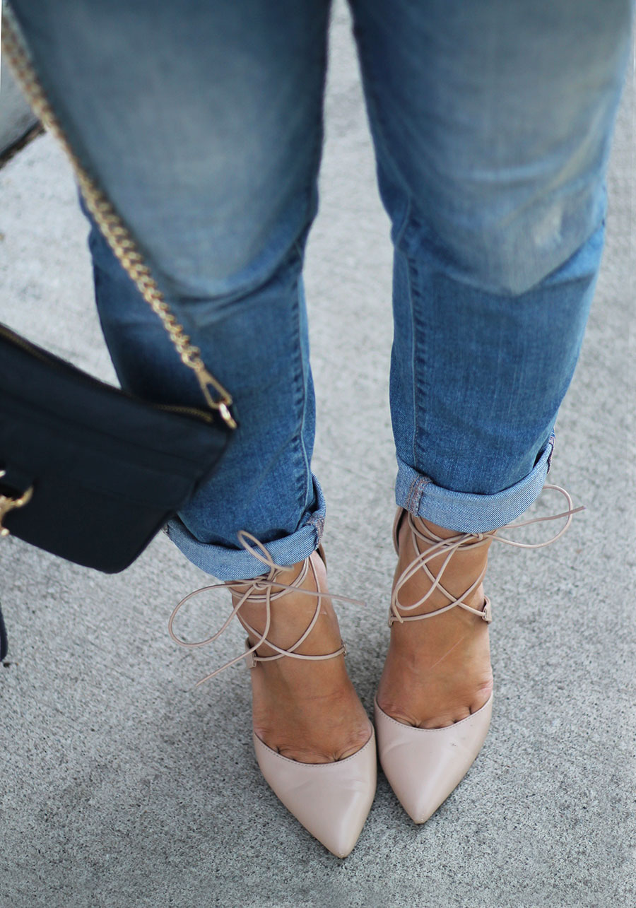 lace-up-shoes-rolled-up-hem-denim-jeans