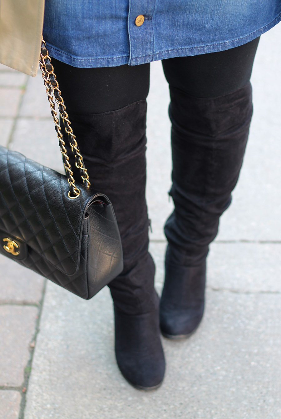 black-over-the-knee-suede-boots-with-tights