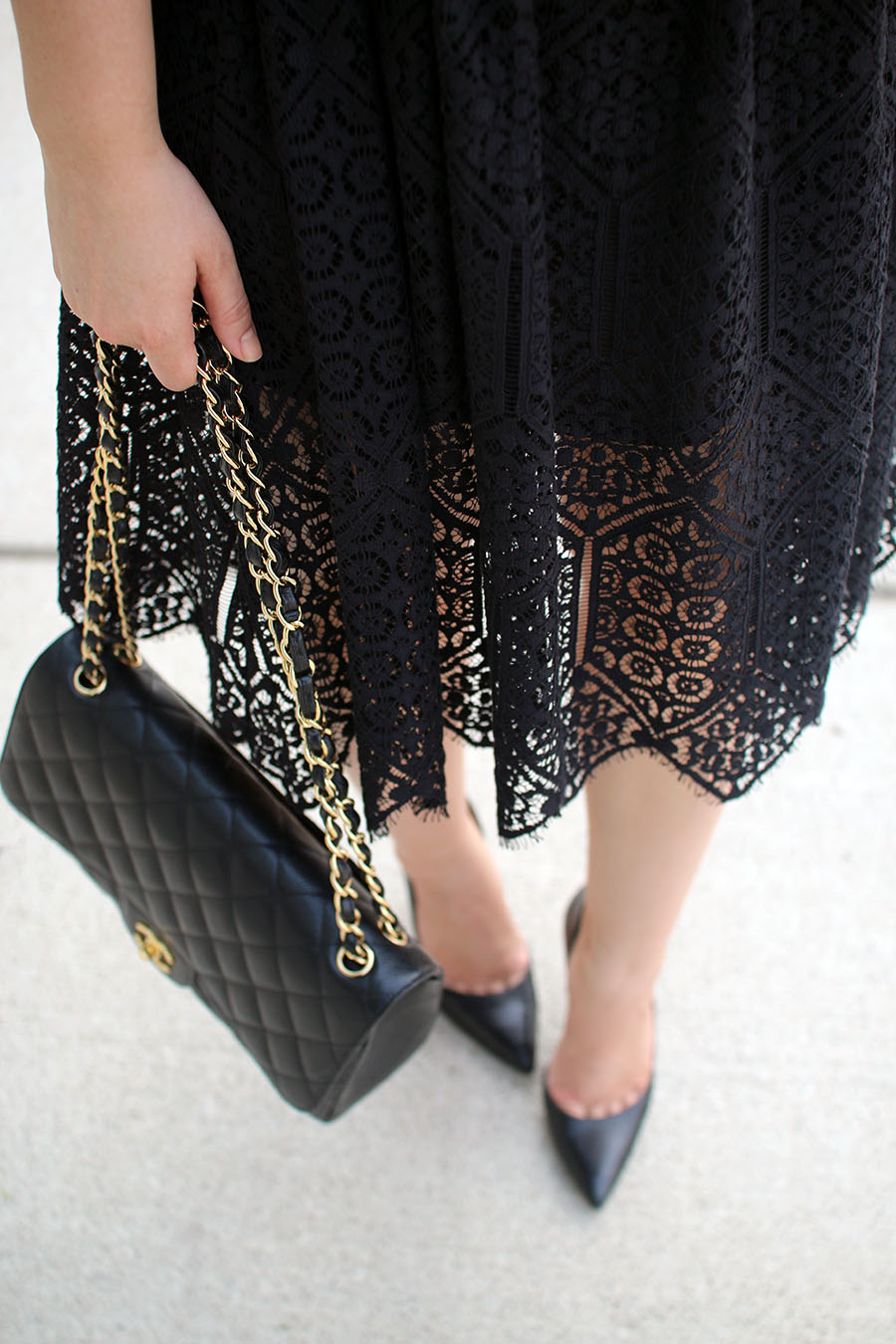 outfit-ideas-black-lace-dress-pumps-quilted-handbag