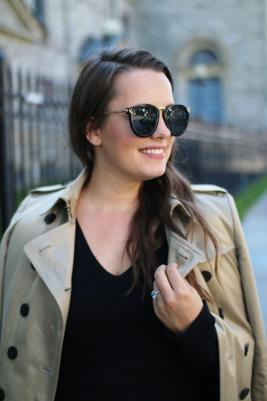 wardrobe-staples-trench-coat-black-sunglasses