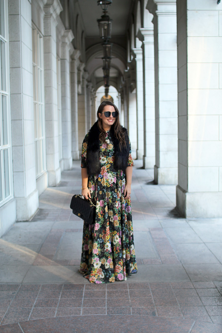 holiday-party-outfit-ideas-floral-max-dress