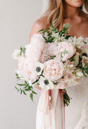 pink-wedding-color-ideas-inspiration-floral-bouquet