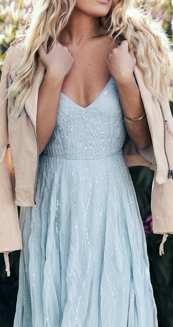 aquamarine-blue-wedding-color-inspiration-moodboard-23