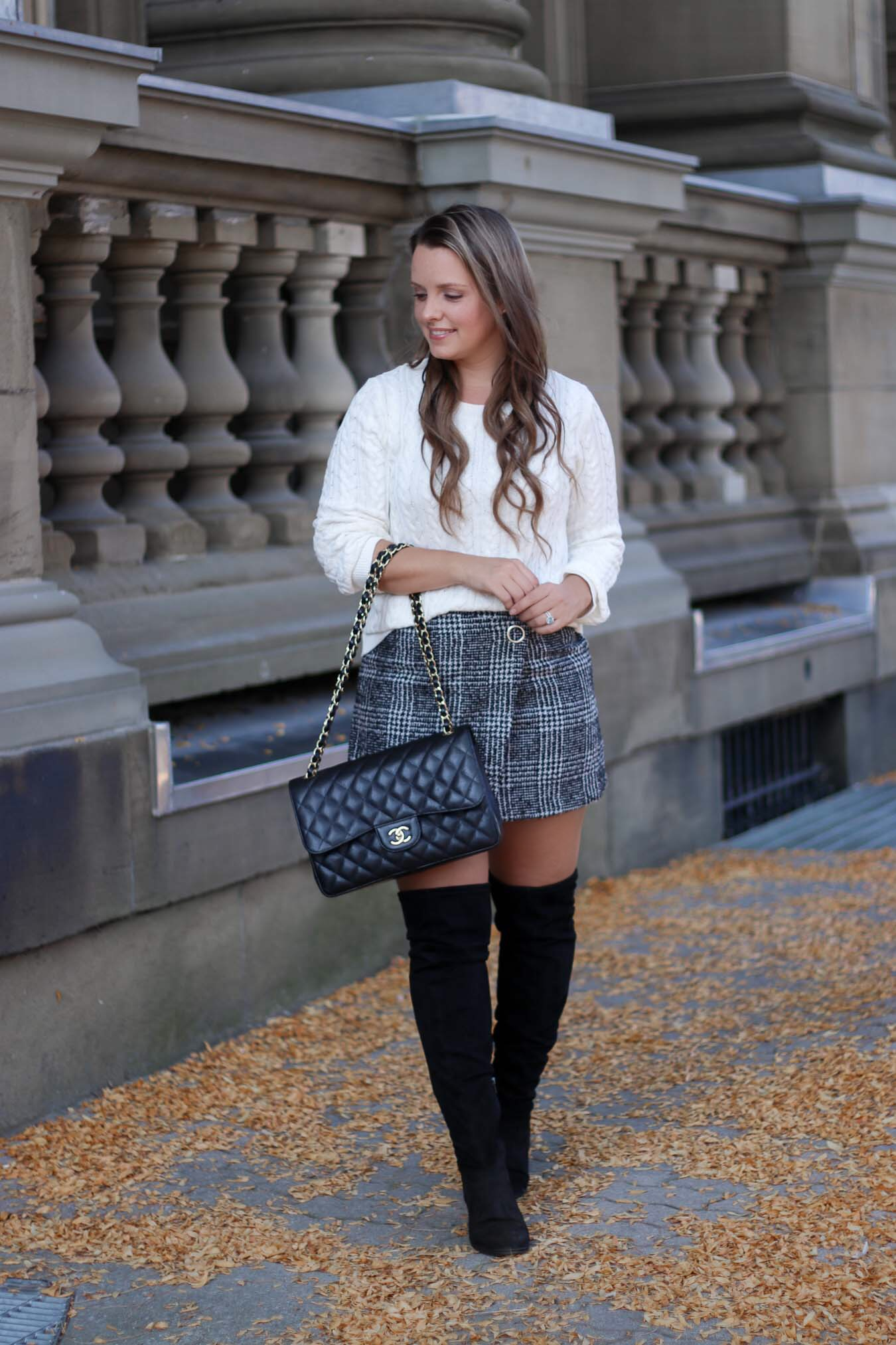 Black and White Outfits Are Chic!