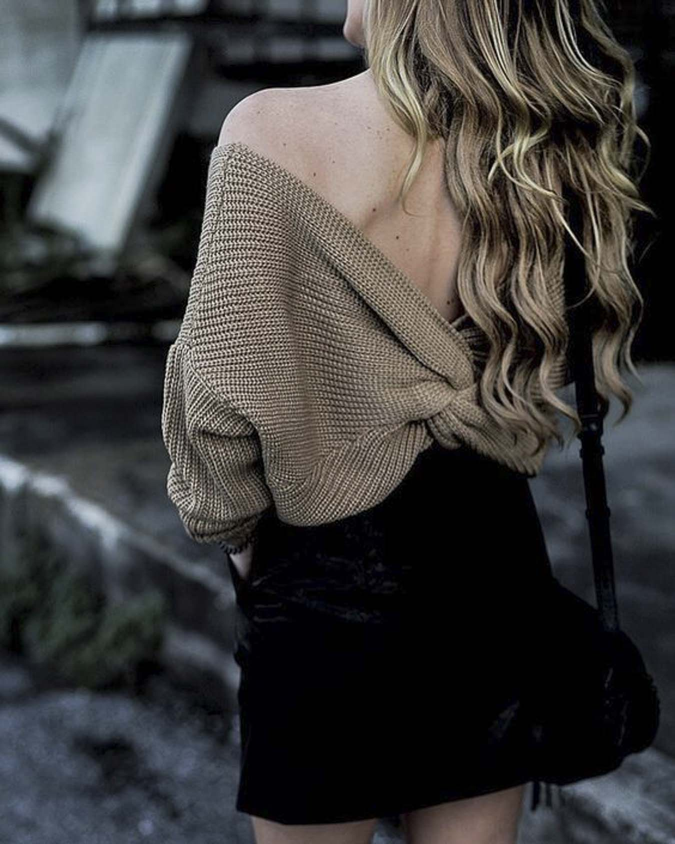 Pretty-Ways-To-Wear-Sweaters-Twisted-Back-Top
