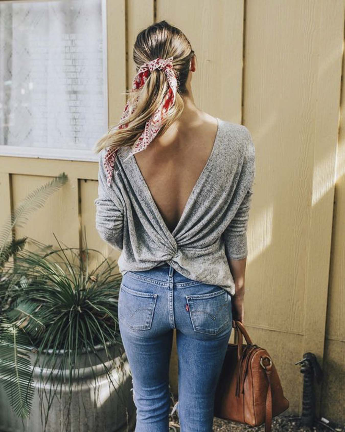 Twisted-Sweater-Cross-Back-Outfit-Ideas-Fashion
